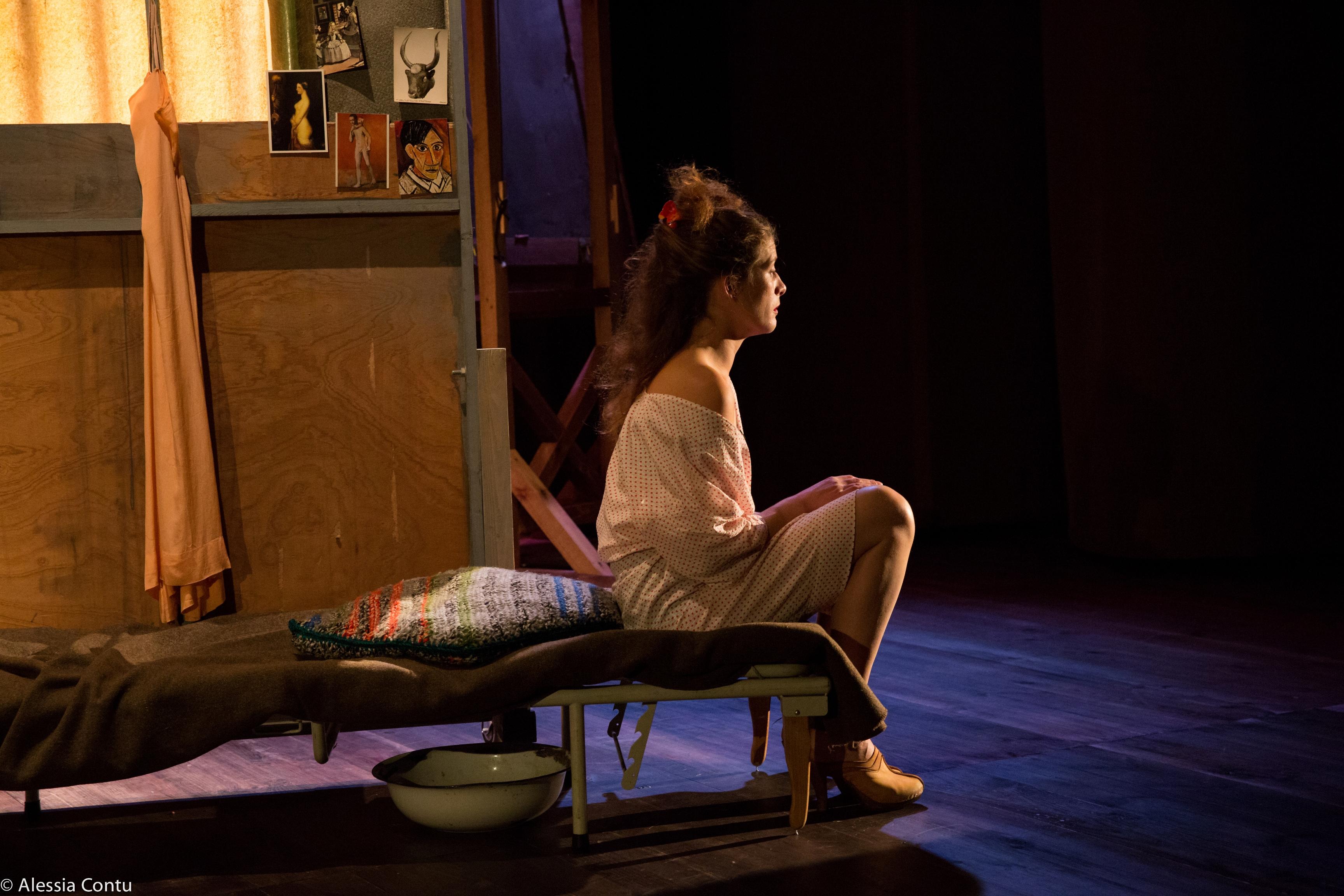"""Marie Luçon dans """"Calderón"""" de Pier Paolo Pasolini, mise en scène Lazare Gousseau. Photo © Alessia Contu."""
