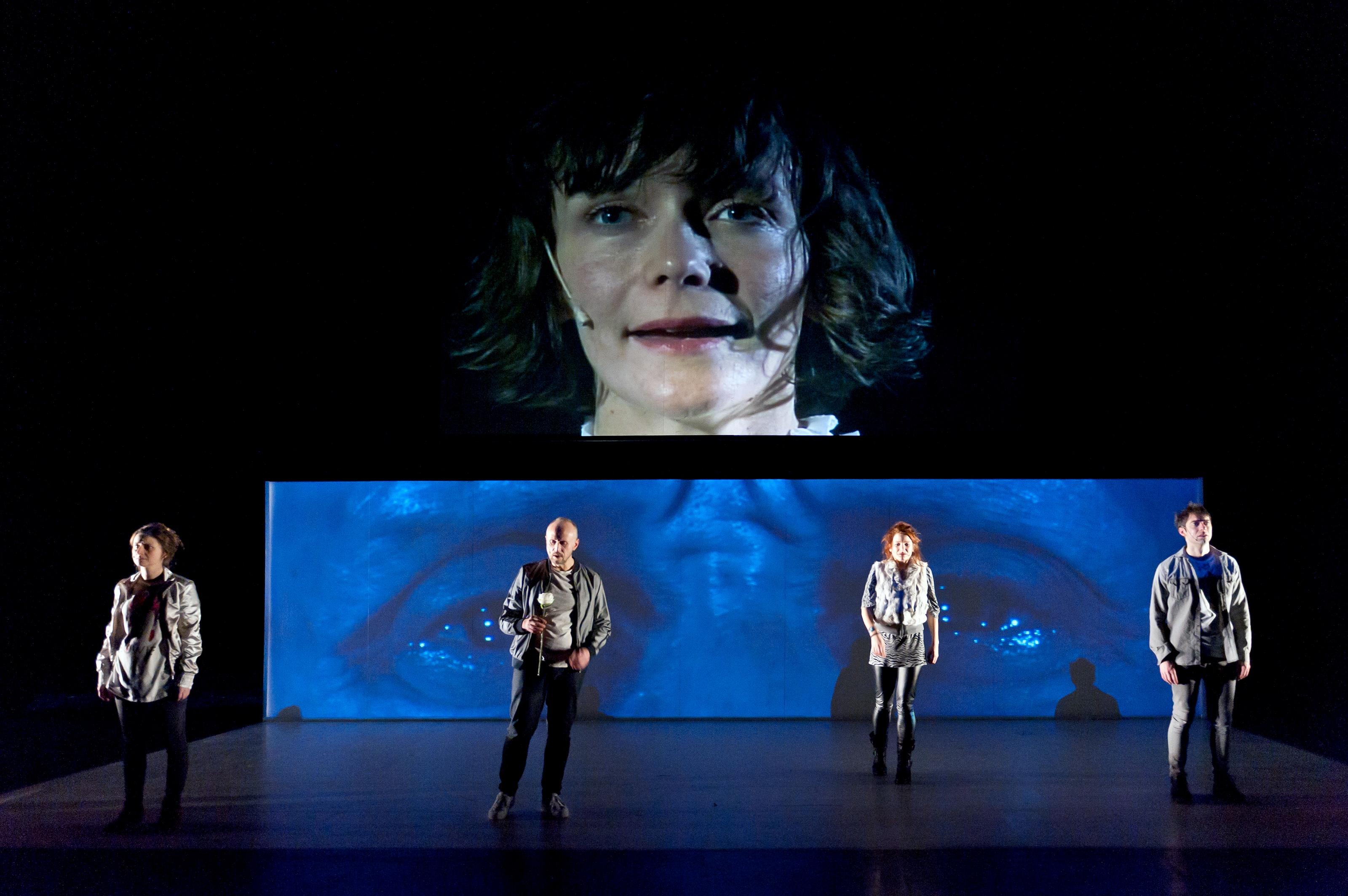 """""""Nous voir nous"""", de Guillaume Corbeil, mise en scène Antoine Lemaire. Photo Frédéric Iovino"""