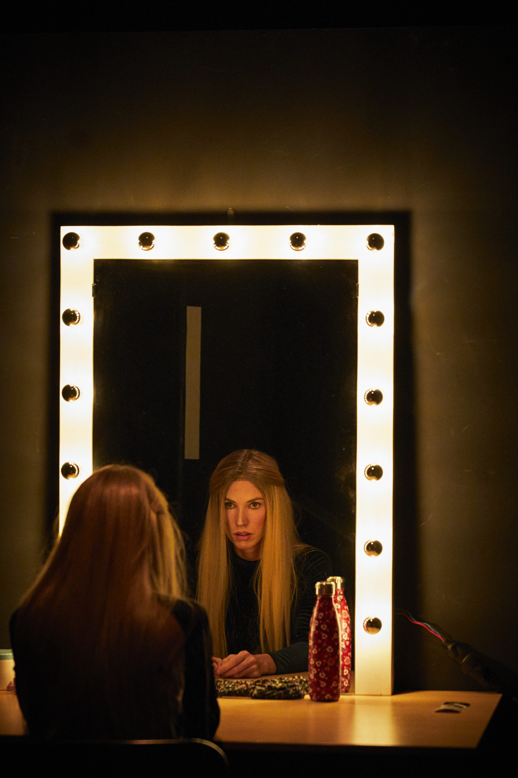 Femme-miroir-Theatre-Ouvert-Blog-Alternatives-Theatrales