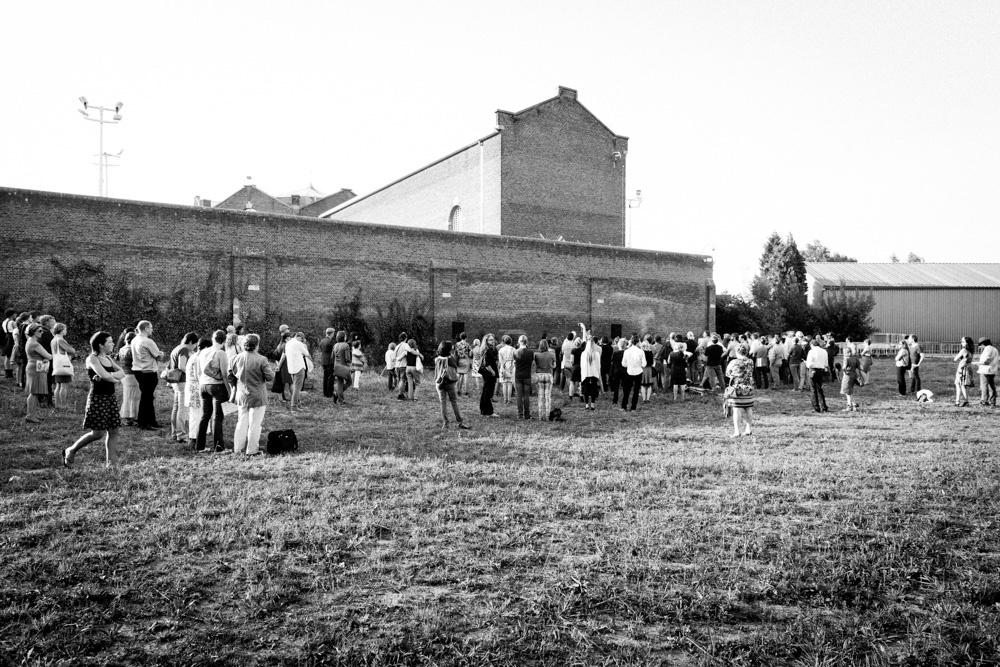 I screamed and I screamed and I screamed, installation vidéo et performance de Sarah Vanhee, création à la Biennale Contour (Malines) en 2013. Photo Contour