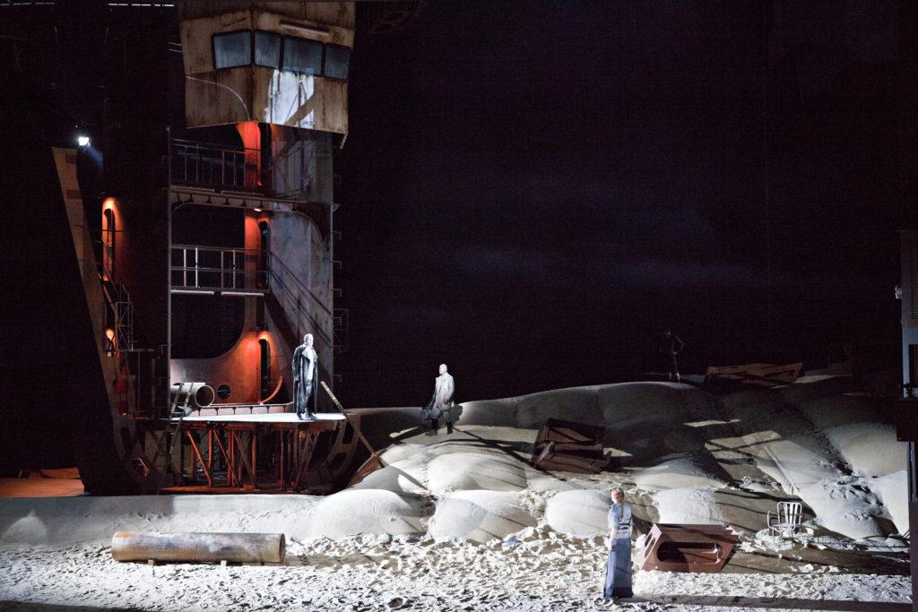 Le Vaisseau fantôme de Richard Wagner, mise en scène Àlex Ollé, Opéra de Lyon, 2014. Crédits Jean-Louis Fernandez.